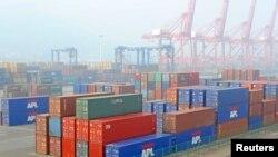 中国江苏连云港一个码头上的集装箱。中国产品大量出口美国,美国对部分商品征收反倾销税和反补贴税