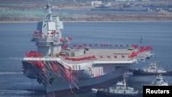 2017年4月26日,中國遼寧省大連市舉行中國第一艘國產航空母艦的下水典禮。