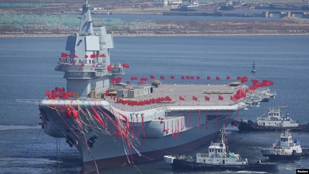 Tàu sân bay thứ hai của Trung Quốc được hạ thủy ở Đại Liên, tỉnh Liêu Ninh, 26/4/2017.