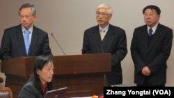 台灣衛生官員1月2號在立法院接受質詢。