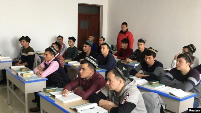 环球时报胡锡进:中国可能禁止美外交官去新疆