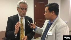 File photo - US Congressman Alan Lowenthal (Democrat-CA), the House Representative for California's 47th Congressional District, spoke about human rights situation in Cambodia to VOA Khmer's Reporter, at the Capitol Hill in Washingon DC, Thursday, December 8, 2016. (VOA Khmer)