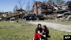 Domovi srušeni u tornadu u Severnoj Karolini