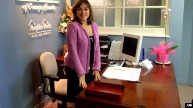 Dân biểu Loretta Sanchez.