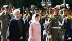 南韓總理朴槿惠於當地時間5月1日下午抵達伊朗首都德黑蘭開始為期三天的國事訪問。