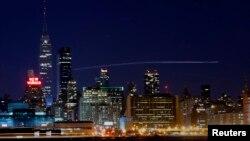 El emblemático Empire State Building también se quedó a oscuras durante una hora para unirse a la campaña mundial.