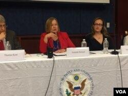 Amerikanın Səsinin direktoru Amanda Bennet