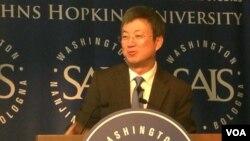 国际货币基金组织副总裁朱民在华盛顿讲演(美国之音莉雅拍摄)