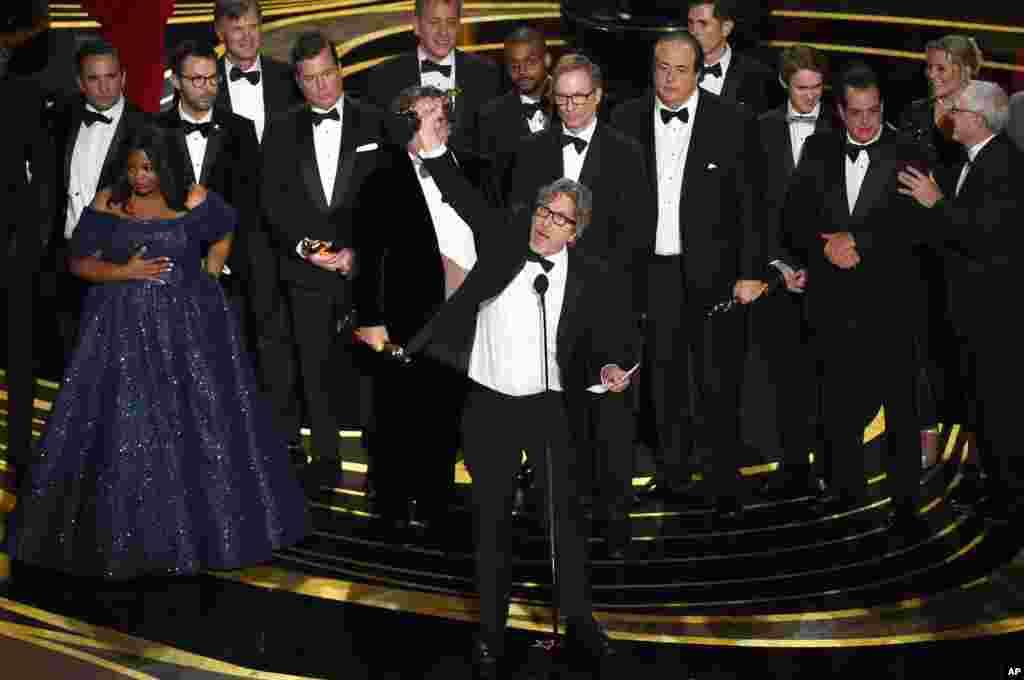 جایزۀ اسکار بهترین فلم سال به کتاب سبز اهدا شد