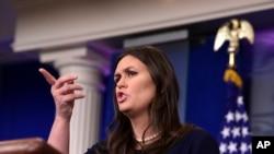 Pòt Pawòl Lamezon Blanch la, Sarah Huckabee Sanders
