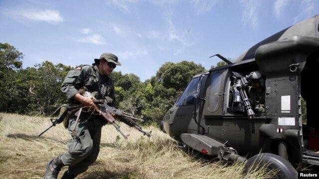 La Quinta Brigada del Ejército de Colombia está encargada de las operaciones de rastreo en la escarpada cordillera, zona del secuestro.