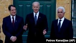 Başkan Yardımcısı Joe Biden, Kıbrıslı Türk ve Rum cumhurbaşkanlarıyla