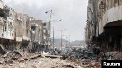 موصل ښار د تیرو دریو کلونو راهسې د داعش ګوند په قبضه کې وو او دغلته شوې جګړې د ښار زړه برخه په مکمله توګه تباه کړی.