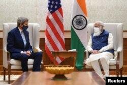 John kerry and Narendra Modi