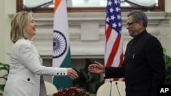美國國務卿希拉里.克林頓和印度外長克里希納。