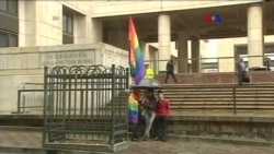 Colombia elimina restricción a parejas homosexuales
