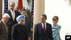 奥巴马与辛格会晤后共同参加记者会