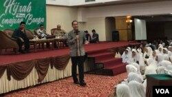 Keterangan foto : Mantan Menteri Perdagangan RI, Muhammad Lutfi saat hadir dalam acara Rabu Hijrah, Menuju Kemajuan Bangsa di Hotel Madani, Medan, Rabu (6/3) (Foto: VOA/Anugrah Andriansyah).