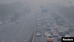 资料照:中国首都北京的雾霾 (2018年11月26日)