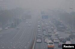 فضائی آلودگی سے حد نگاہ متاثر ہوتی ہے اور وہ ٹریفک حادثات کا سبب بنتی ہے۔
