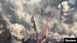 乌克兰反政府抗议者在首都基辅中心的独立广场搭建的帐篷。此时的气温是摄氏零下19度。(2014年1月30日)