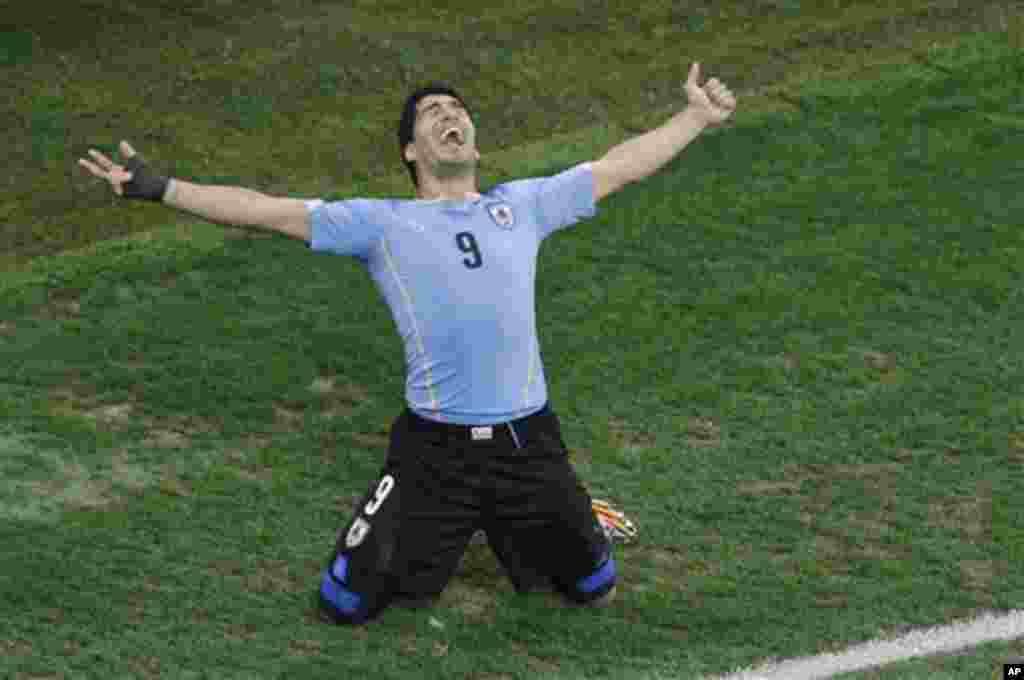 Dois golaços de Luis Suárez deram o triunfo aos uruguaios frente à Inglaterra em jogo de fase de grupos, no Itaquerão em São Paulo, Brasil, Junho 19, 2014
