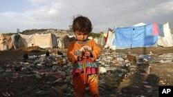 아프가니스탄 전쟁으로 인한 카불 난민촌의 소녀 (자료사진).