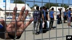 Los refugiados deberán cumplir con ciertos requisitos y pasar estrictas medidas de seguridad antes de ser aceptados para ingresar a territorio estadounidense. El proceso puede demorar hasta un año.