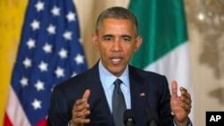 오바마 대통령이 17일 백악관에서 이탈리아 총리와 회담한 뒤 공동 기자회견을 하고 있다 (2015년 4월 17일)