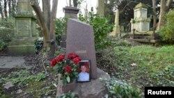 Mộ cựu Alexander Litvinenko tại một nghĩa trang ở London, Anh.