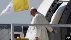 Paus Fransiskus tiba di Jenewa, Swiss hari Kamis (21/6).