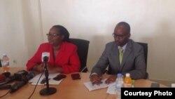 Geraldine Mukeshimana, ministiri w'ubuhinzi n'ubworozi na Innoncent Musabyimana umunyamabanga uhoraho w'iyo ministeri.