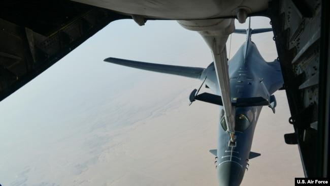 Máy bay B-1B của Không quân Mỹ tấn công Syria ngày 14/4/2018.