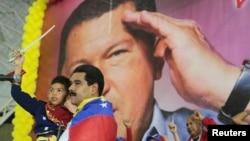 Quyền Tổng thống Nicolas Maduro trong một cuộc vận động tranh cử tại bang Lara.