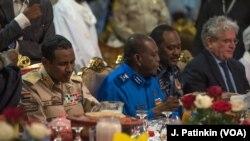 """""""Le principal point de discorde entre l'ALC et le Conseil militaire reste le taux de représentation, et la présidence du conseil souverain, entre civils et militaires"""", ont déclaré les deux parties dans un communiqué commun à l'issue de la réunion."""
