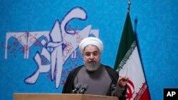 El presidente iraní, Hassan Rouhani, habló ante estudiantes de la Universidad de Teherán, en Teherán, Irán, el martes, 6 de diciembre, de 2016.