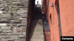 """La escalera de """"El exorcista"""" en Georgetown, Washington, D.C. atrae a residentes y turistas por igual."""
