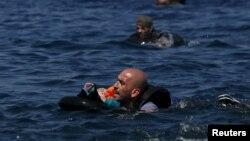 Mülteciler Avrupa Birliği topraklarına ulaşabilmek için canlarını tehlikeye atmayı sürdürürken Birlik ülkeleri gerekli önlemleri devreye sokamıyor.