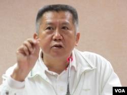国民党立委杨应雄2013年3月25日在立法院质询(美国之音张永泰拍摄)