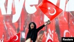 Konyada referenduma dəstək mitinqi