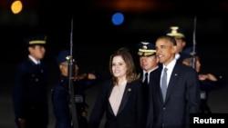 Барак Обама и вице-президент Перу Мерседес Араос