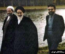 آقای یزدی از مشاوران نزدیک خمینی در قبل از انقلاب بود.