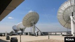 Mỗi ngày cơ quan NOAA phân tích 16 tỷ bytes dữ liệu từ 16 vệ tinh thời tiết khác nhau
