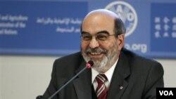 Ketua Badan Pangan dan Pertanian PBB/FAO Jose Graziano da Silva memberikan keterangan pers di Roma (3/1).