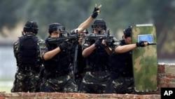 中国特种部队2010年与泰国特种部队举行反恐联合军演 (资料照片)