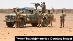 Opération conjointe des forces armées maliennes et de Barkhane menée fin juin dans le Gourma au Mali, photo publiée le 6 juillet 2018. (Twitter/Etat-Major armées)