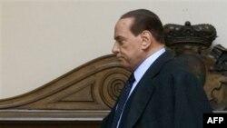 Silvio Berluskoni istefa verməyə hazırlaşır