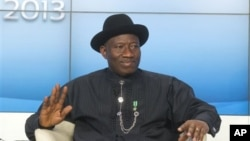 President Nigeria Goodluck Jonathan, dalam Pertemuan Tahunan Forum Ekonomi Dunia ke-43 di Davos, Swiss, 23 Januari 2013. (AP Photo/Michel Euler)