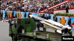 資料照:台灣在雙十節慶祝活動上展示雄風三型反艦導彈。 (2007年10月10日)