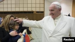 El papa argentino será el galardonado 58 que recibe el premio Carlomagno. El papa Juan Pablo Segundo lo recibió en 2004.